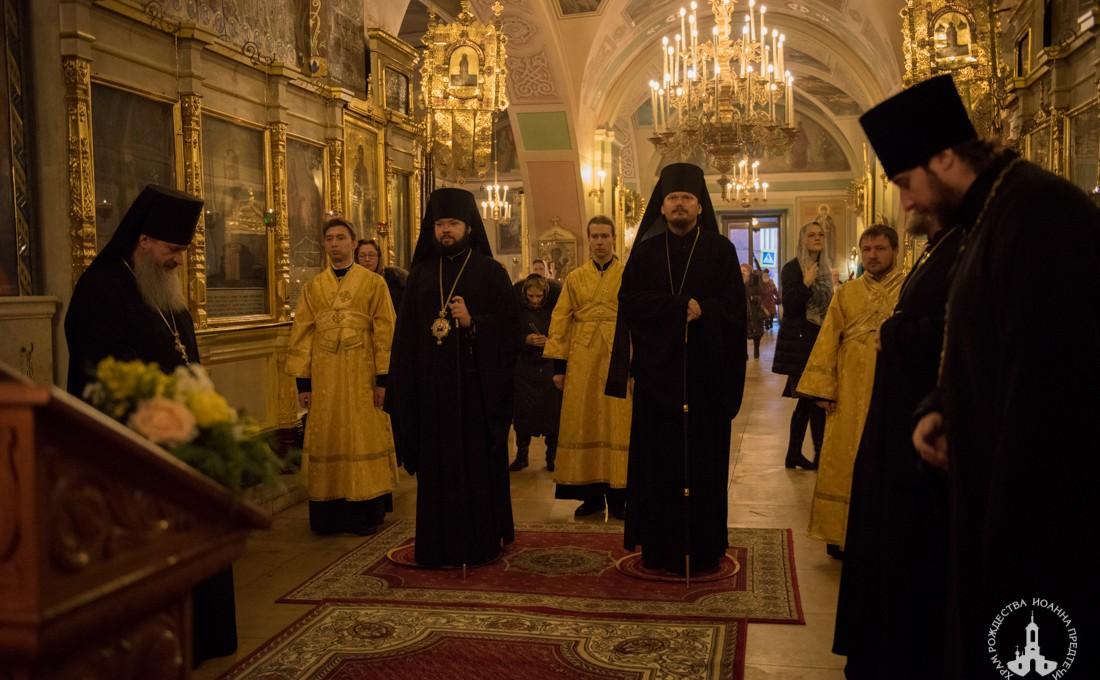 Епископы Нестор и Антоний совершили Литургию в Иоанно-Предтеченском храме