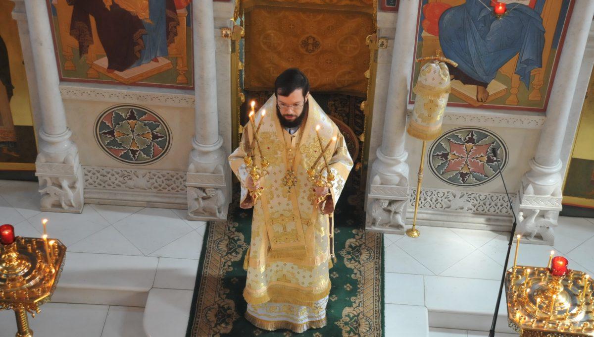 Божественную литургию совершил митрополит Корсунский и Западноевропейский Антоний