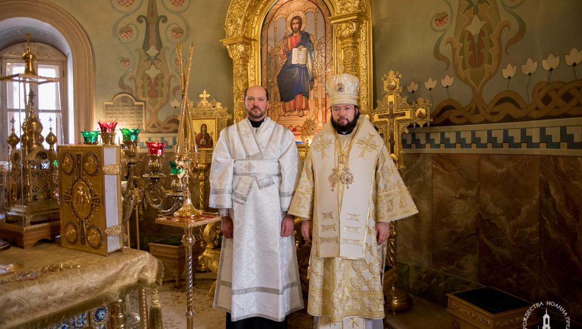 Епископ Антоний совершил Литургию в храме Рождества Иоанна Предтечи