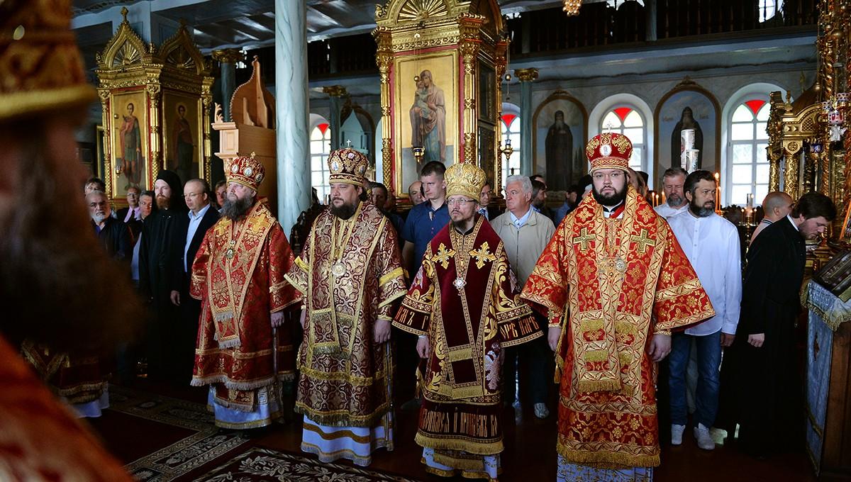 Предстоятель Русской Церкви совершил Литургию в Покровском храме Русского на Афоне Пантелеимонова монастыря