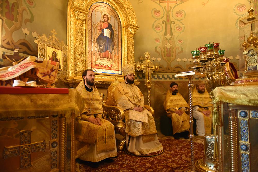 Литургия в день памяти святых апостолов Петра и Павла