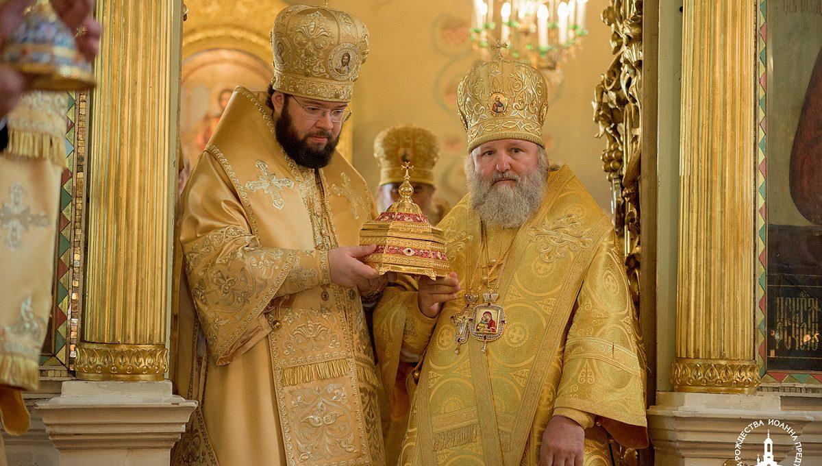 Митрополит Павел совершил богослужение в Иоанно-Предтеченском храме