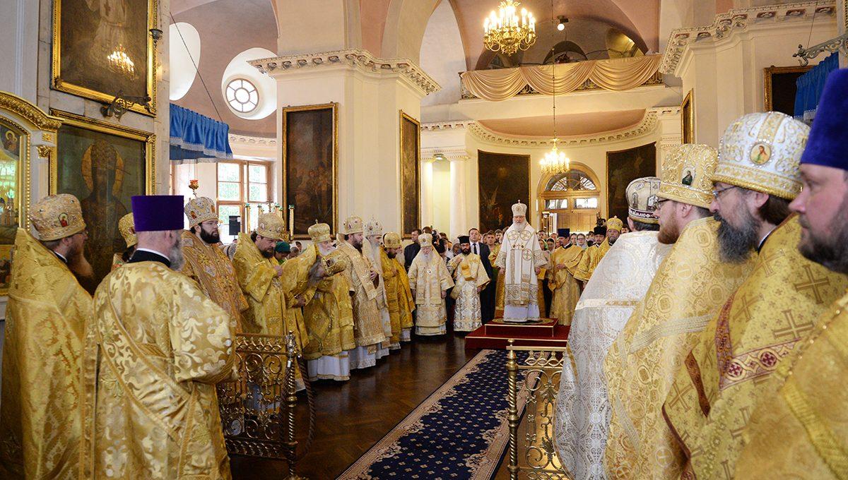 Патриаршее богослужение в Неделю 5-ю по Пятидесятнице