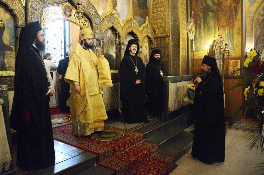 Литургия в Никольском храме г.Софии