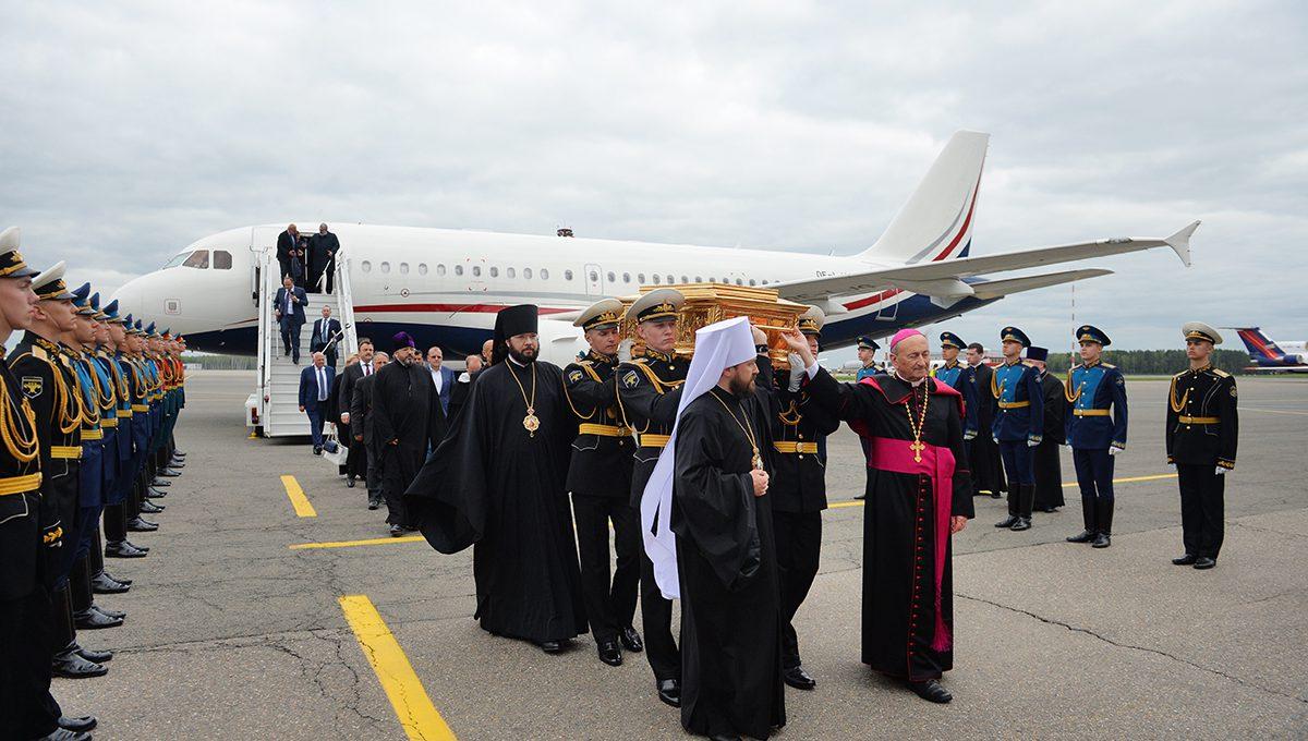Мощи святителя Николая Чудотворца прибыли в Москву