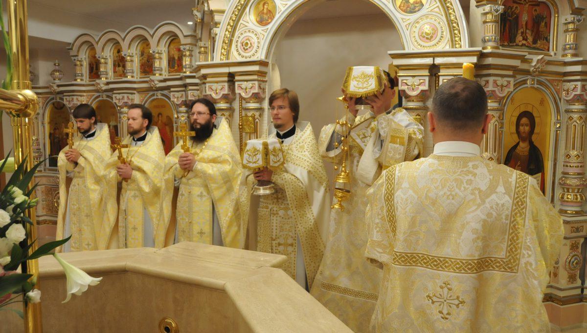 Престольный праздник храма в честь святых равноапостольных Константина и Елены