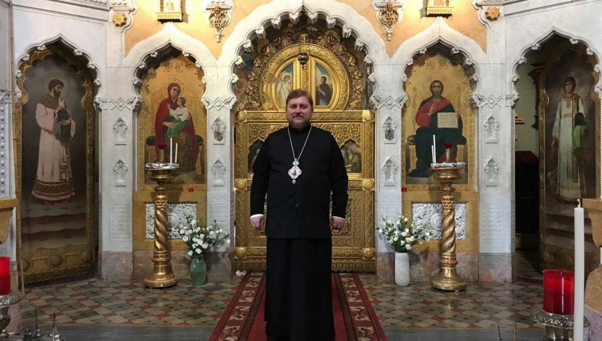 Преосвященный Матфей посетил храм Рождества Христова и свт. Николая Чудотворца во Флоренции