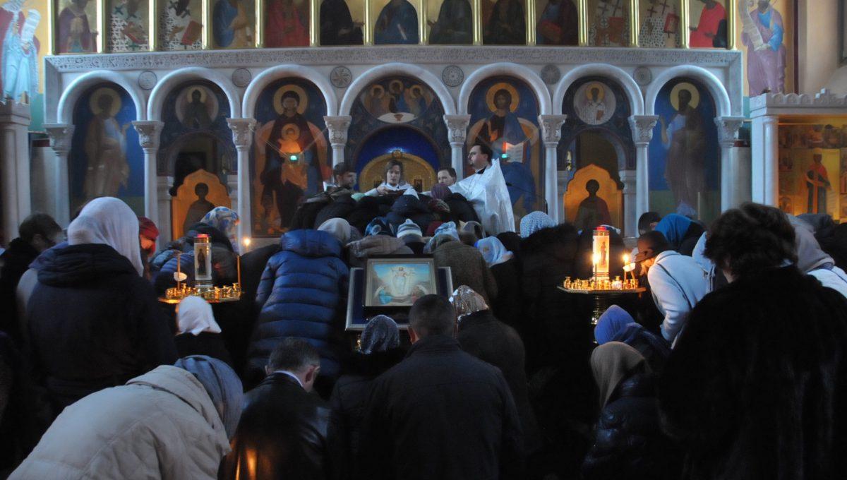 В Екатерининском храме совершено первое таинство Соборования