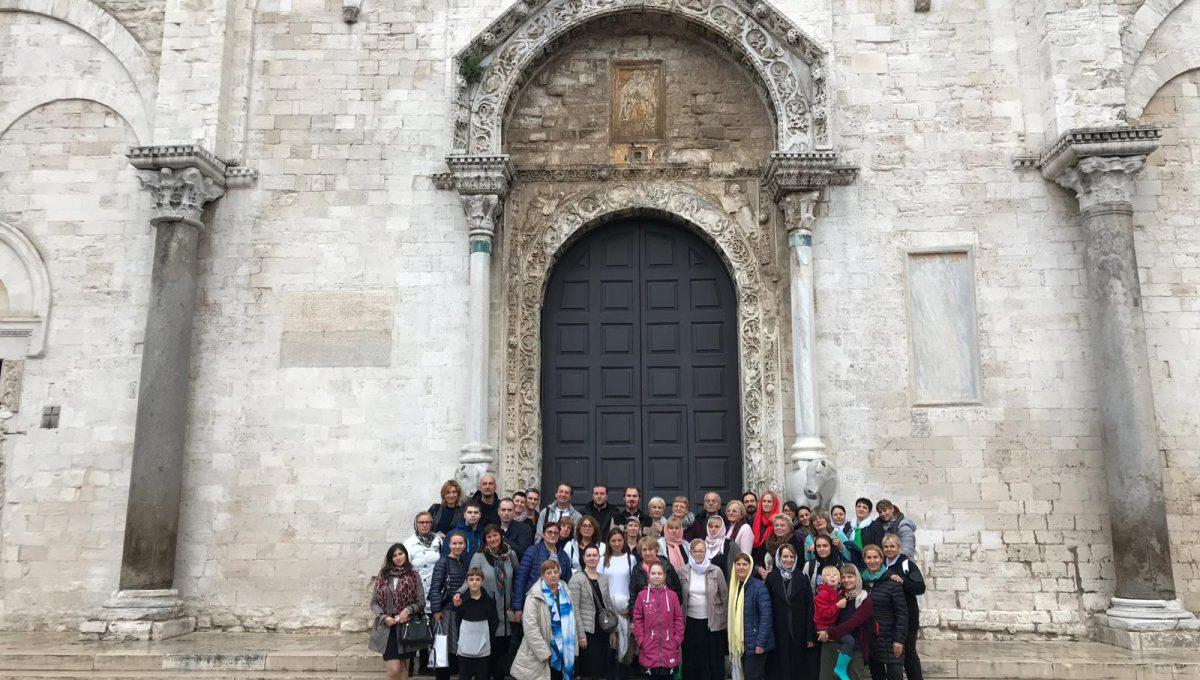 Екатерининский и Никольский приходы Рима совершили паломничество в Бари