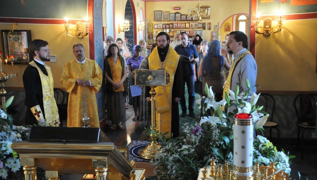 Митрополит Антоний совершил акафистное пение святой великомученице Екатерине