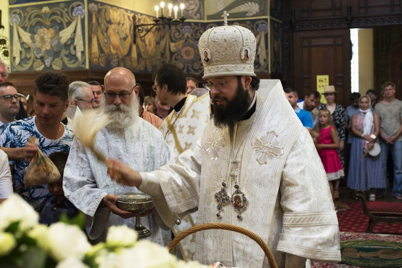 В праздник Преображения Господня Патриарший Экзарх в Западной Европе совершил Божественную литургию в Николаевском соборе г. Ницца