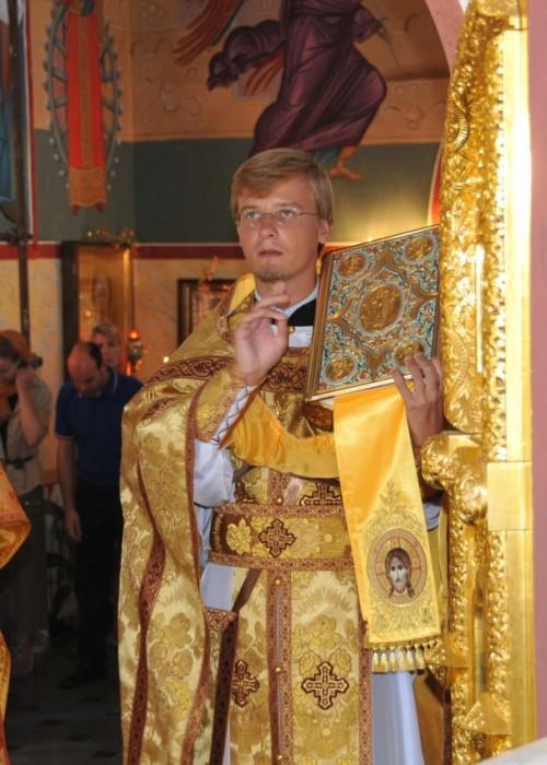 Воскресное богослужение в Екатерининском храме